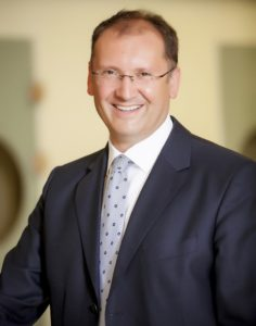 Michael Burkhart, Leiter des Bereichs Gesundheitswesen und Pharma bei PwC